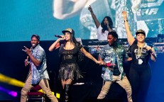 '90s Nostalgia Fills TD Place With Dance Party!