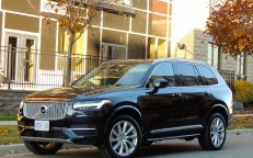 Big Volvo XC90 Sips Gas and Goes Fast