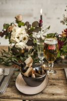 holiday-tips-one-placesetting-with-stella